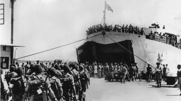 قوات الانتداب البريطاني تغادر من ميناء حيفا