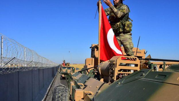 TSK ve ABD'nin ilk kara devriyesi sınırın Suriye tarafında başladı