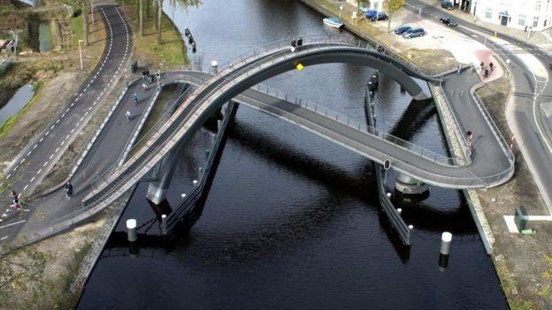 """Мост """"Млечный путь"""", Нидерланды"""