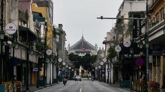 Trung tâm Hà Nội vắng vẻ những ngày này