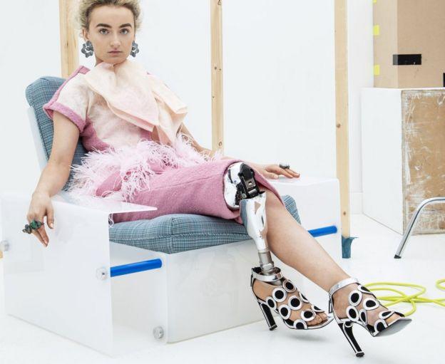 Model Zebedee Bernadette