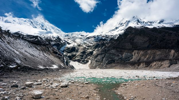 Montañas en el Hindú Kush Himalaya