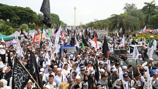 BBC: Prabowo sebut 'tidak boleh kampanye' di Reuni 212, Rizieq serukan ...