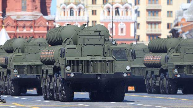 Sistema de defensa S-400.