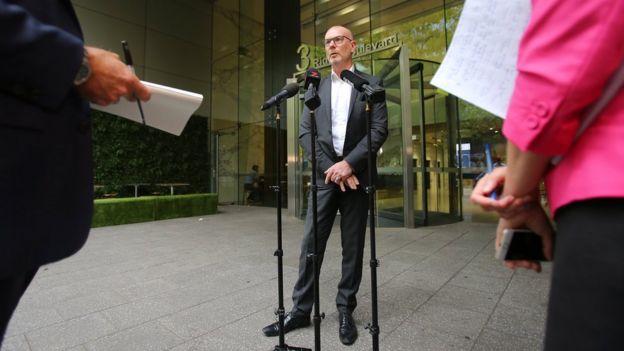 Bruce Davidson delivering press conference in Sydney