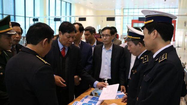 Bộ Y tế Việt Nam kiểm tra phòng dịch tại Cửa khẩu Hữu Nghị