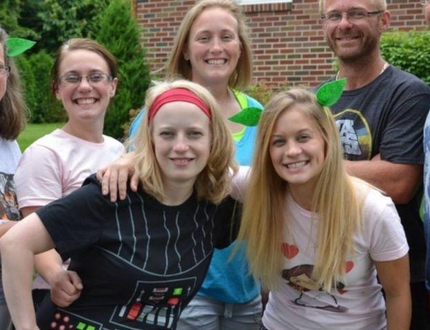 Слева направо: Элисон Кинг, Эбби Джексон, Мэри Дайсон и Эми Стинбург