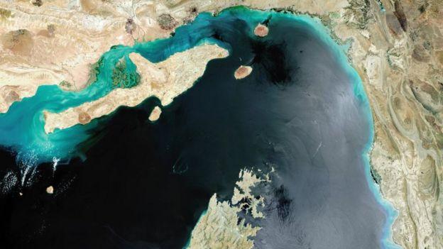Ормузский пролив