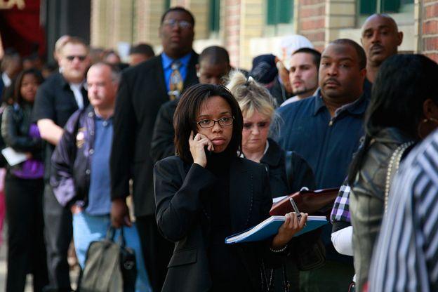 در آمریکا طی دو هفته مجموعا نزدیک به ۱۰ میلیون نفر تقاضای بیمه بیکاری کردند