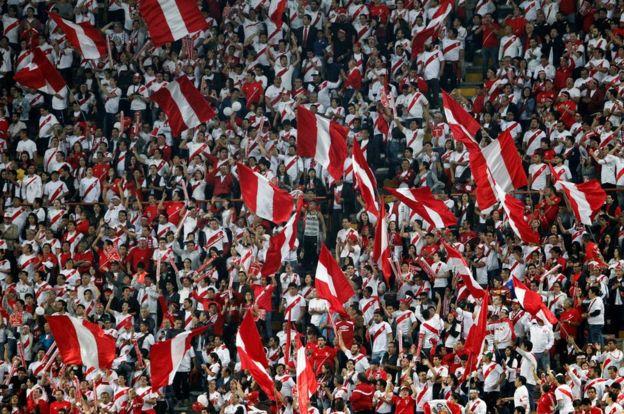Peruvian fans