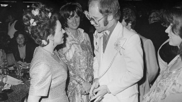 La princesa Margarita y Elton John en 1974