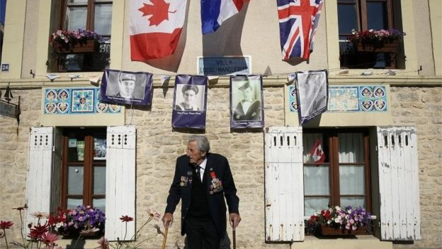 D-Day: Veterans and world leaders mark 75th anniversary