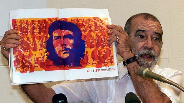 آلبرتو کوردا دقیقا وقتی مشغول آماده شدن برای نمایشگاه عکسهایش در پاریس میشد دچار حمله قلبی شد، در گذشت و در هاوانا به خاک سپرده شد