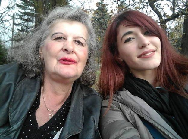 Софія Бенза і її бабуся
