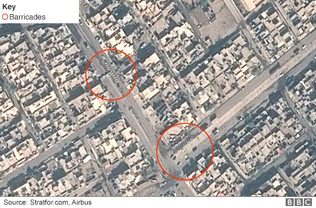 Satellite image showing barricades west of Highway 1, Mosul