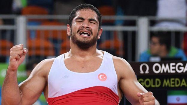 Güreşçi Taha Akgül