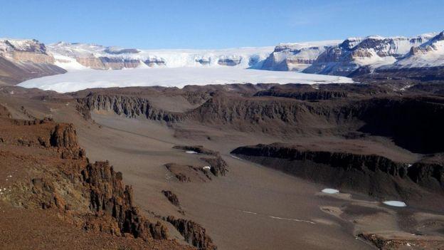 وديان ماكموردو الجافة في القارة القطبية الجنوبية