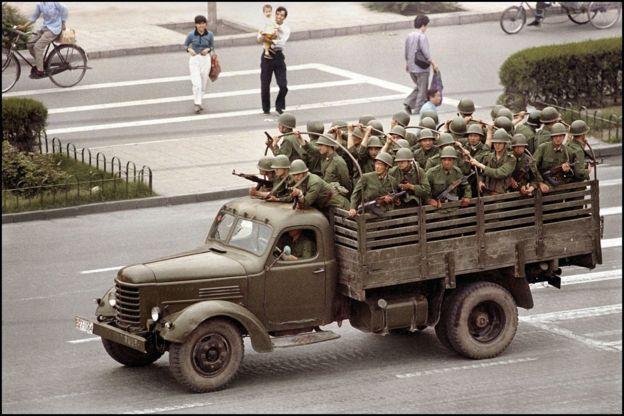 Quân đội tiến vào Thiên An Môn 1989