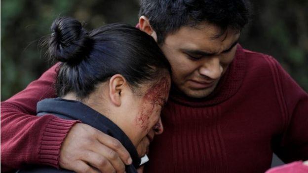 Familiares de la mujer que murió en el atentado