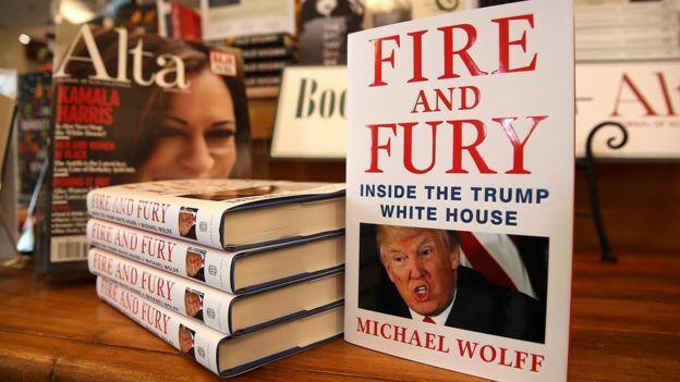 """El libro """"Fuego y Furia"""" en una librería"""