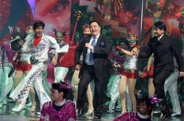 Rishi Kapoor dancing