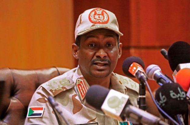 محمد حمدان دقلو (حميدتي) نائب رئيس المجلس العسكري الانتقالي في السودان