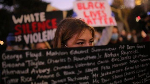 """تظاهرات """"جان سیاهپوستان مهم است"""" در سیدنی"""