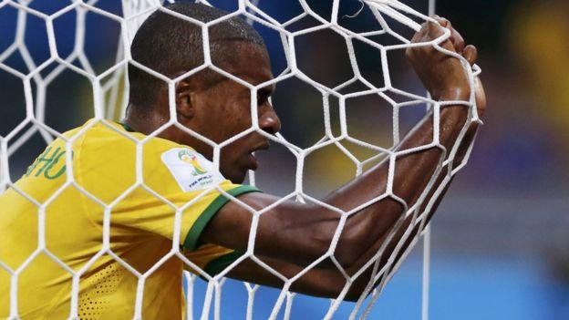 Jogador Fernandinho, durante derrota do Brasil na Copa de 2014