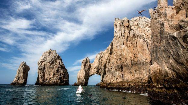 Rocas y acantilados en Los Cabos.