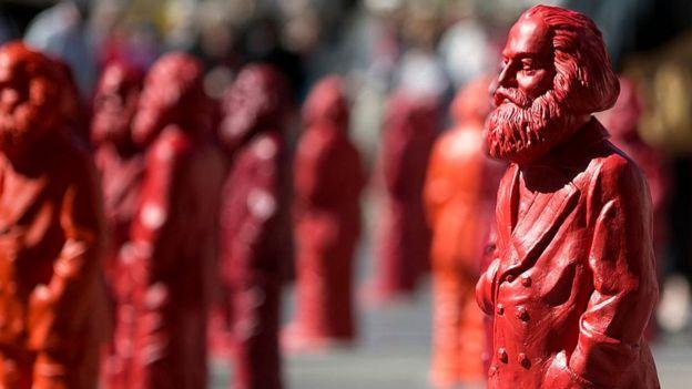 Estatuetas de Marx na Alemanha