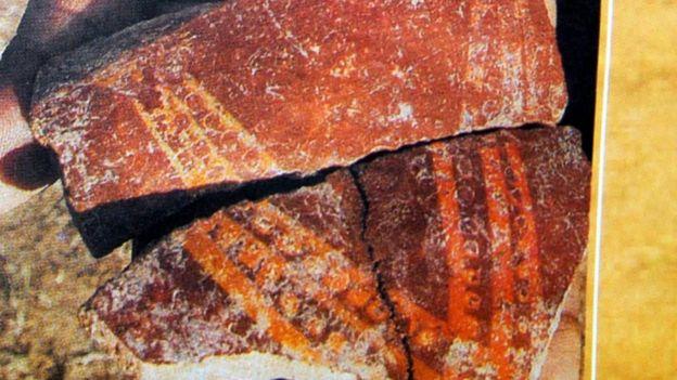 ஆதிச்சநல்லூரில் கிடைத்த முதுமக்கள் தாழியில் கிடைத்த குறியீடுகள்