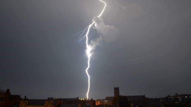 Lightning in Gravesend