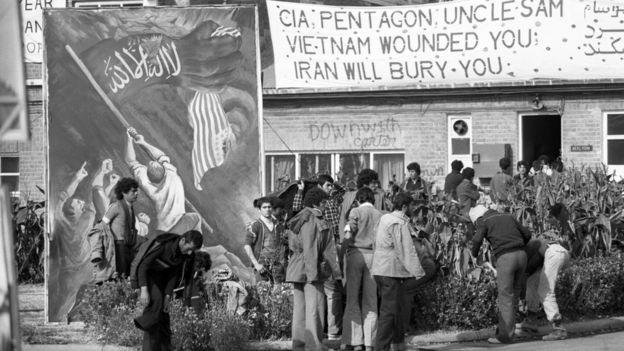 حمله به سفارت آمریکا، اشغال آن و به گروگان گرفتن کارکنانش، نقطه اوج چرخش ایران به سوی سیاستی ضد آمریکایی بود که تا امروز ادامه داشته