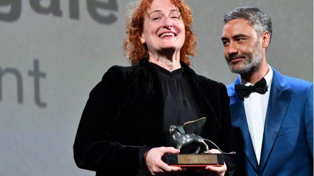 Австралійська режисерка Дженніфер Кент із нагородою