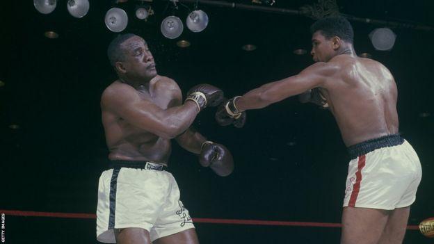 Liston and Ali fight in 1964