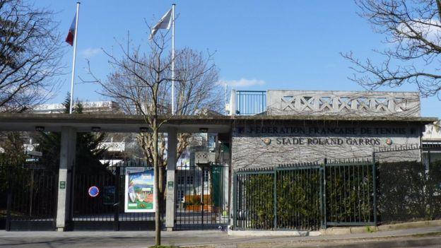 Fachada del complejo deportivo Roland Garros, en Francia.