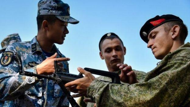 去年,中俄兩國海軍陸戰隊在遠東地區舉行聯合訓練。
