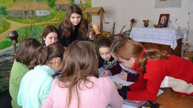 Історія вихованки інтернату, яка втекла з Донбасу і стала правозахисницею