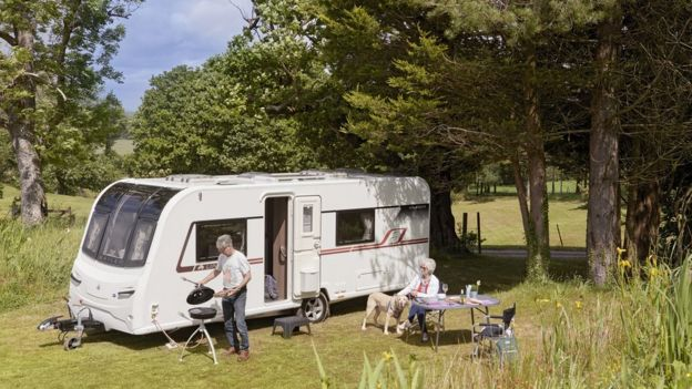Why more Brits are buying caravans and motor homes - BBC News