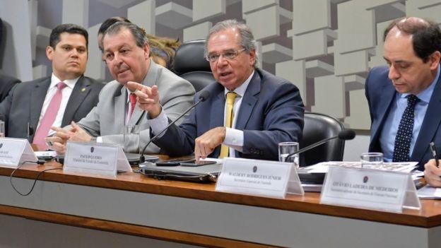O ministro Paulo Guedes no Senado