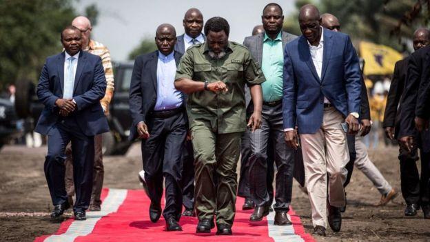 Perezida Kabila (uri imbere hagati) ari ku butegetsi guhera mu mwaka wa 2001, ubwo se Laurent-Désiré Kabila yicwaga