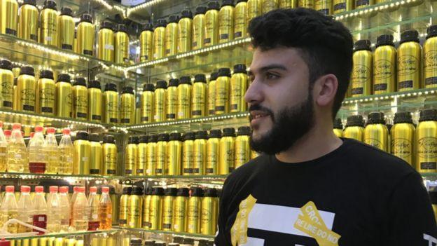 Muhammed, Gaziantep'te parfümeri işletiyor