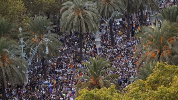 People attend a pro-independence rally near the Catalan regional parliament in Barcelona, Spain October 10, 2017