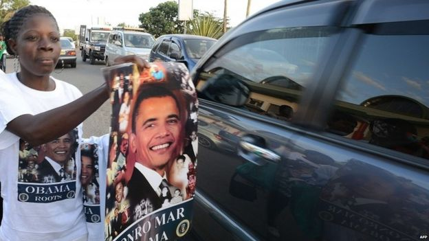 kenyans selling obama posters ahead of his visit