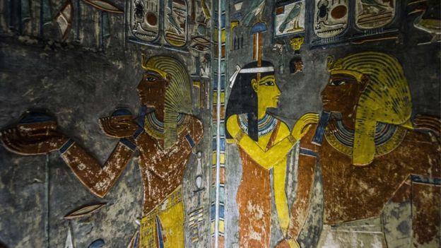نقش فرعوني
