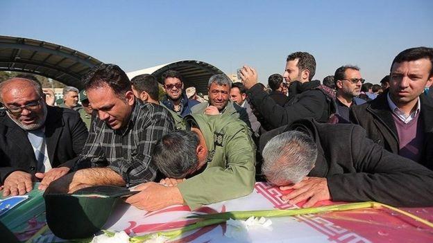 پیکر کشتهشدگان به اصفهان منتقل شده است