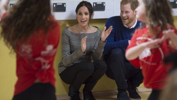 在威爾士訪問,梅根穿了威爾士品牌牛仔褲