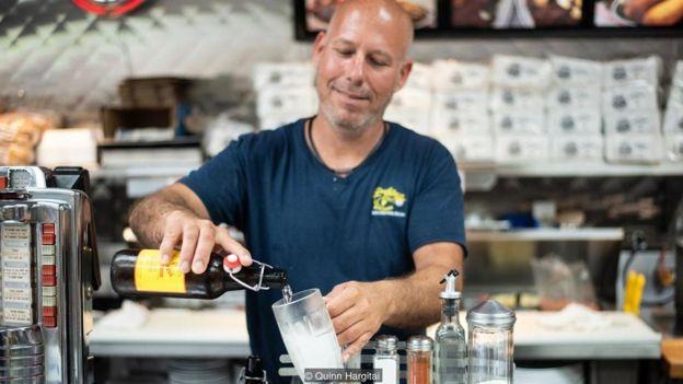 罗伊的云杉啤酒用云杉汁液酿制,味道更为清新