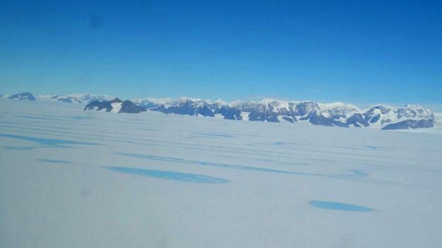 Resultado de imagem para Está iminente o surgimento de um dos maiores icebergues de sempre