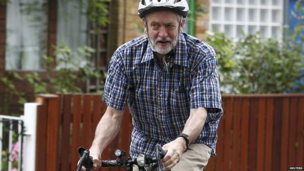 Jeremy Corbyn en su bicicleta